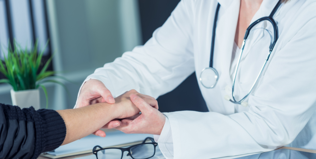 Почему стоит выбирать платного терапевта?
